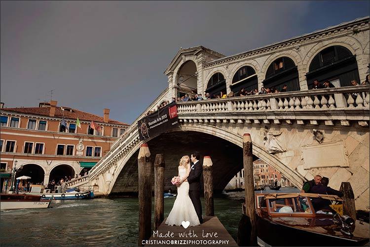 intimate-wedding-ceremony-in-Venice