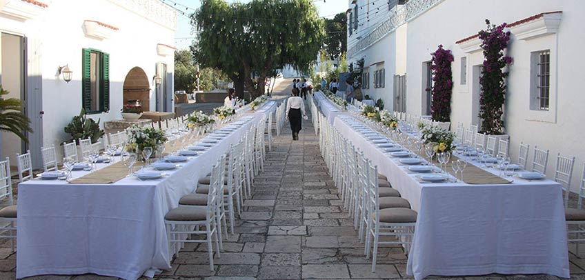 Festival wedding in Apulia, Fellini style