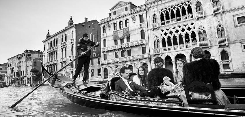Destination winter wedding in Venice
