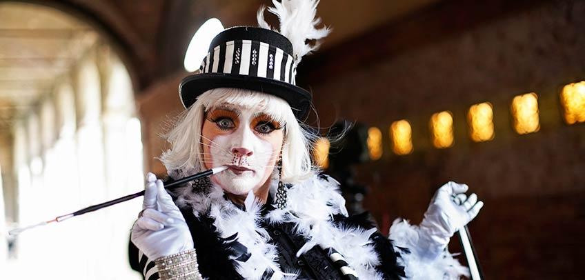 Carnival Wedding in Venice