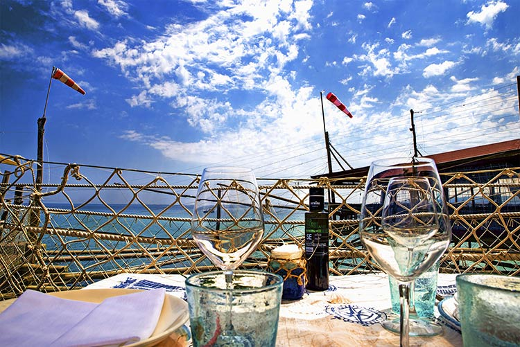 venues-for-seaside-elope-in-italy