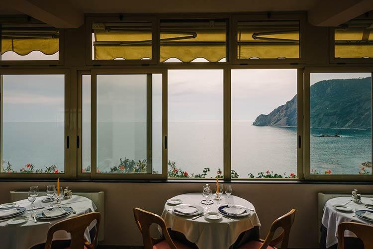 elope-monterosso-cinque-terre-wedding_12