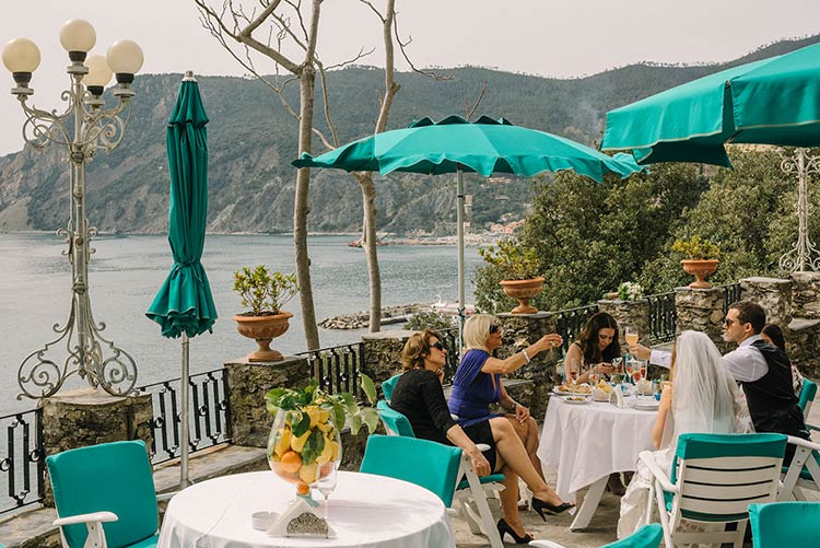 elope-monterosso-cinque-terre-wedding_17
