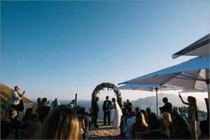 amalfi-coast-ceremony_overlooking_capri_island