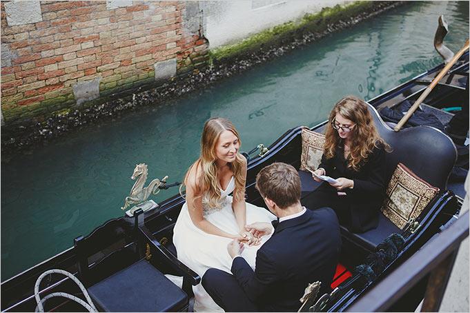 elope wedding ceremony on a Venetian Gondola