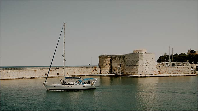 Wedding reception at Swabian Castle in Trani, Apulia
