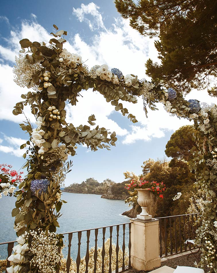 Destination wedding on Italian Riviera