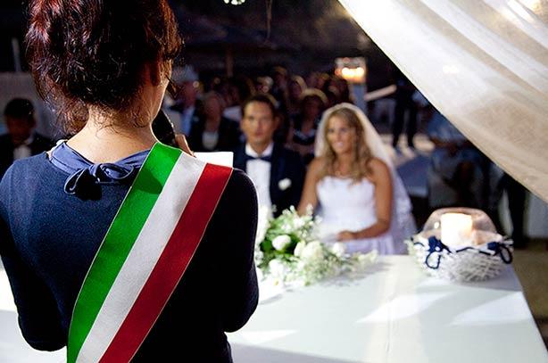 Seaside ceremony in Puglia