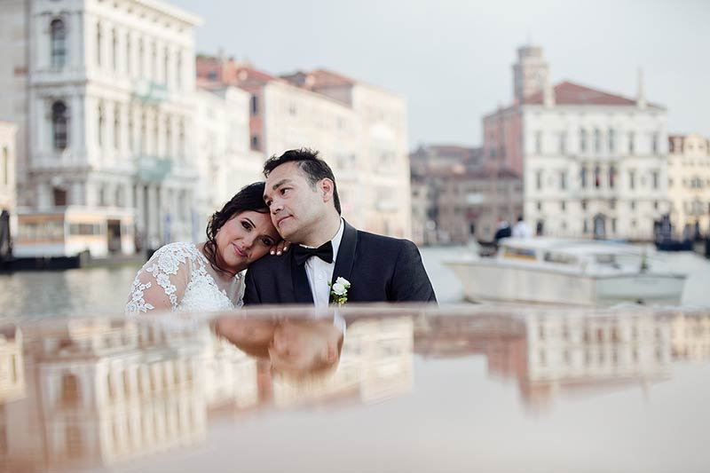 Wedding boat tour in Venice