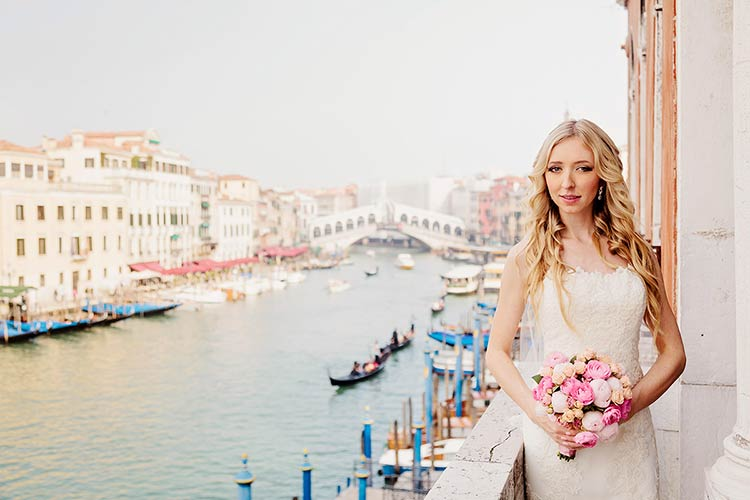 amazing photos in Venice for a romantic Elope in Italy